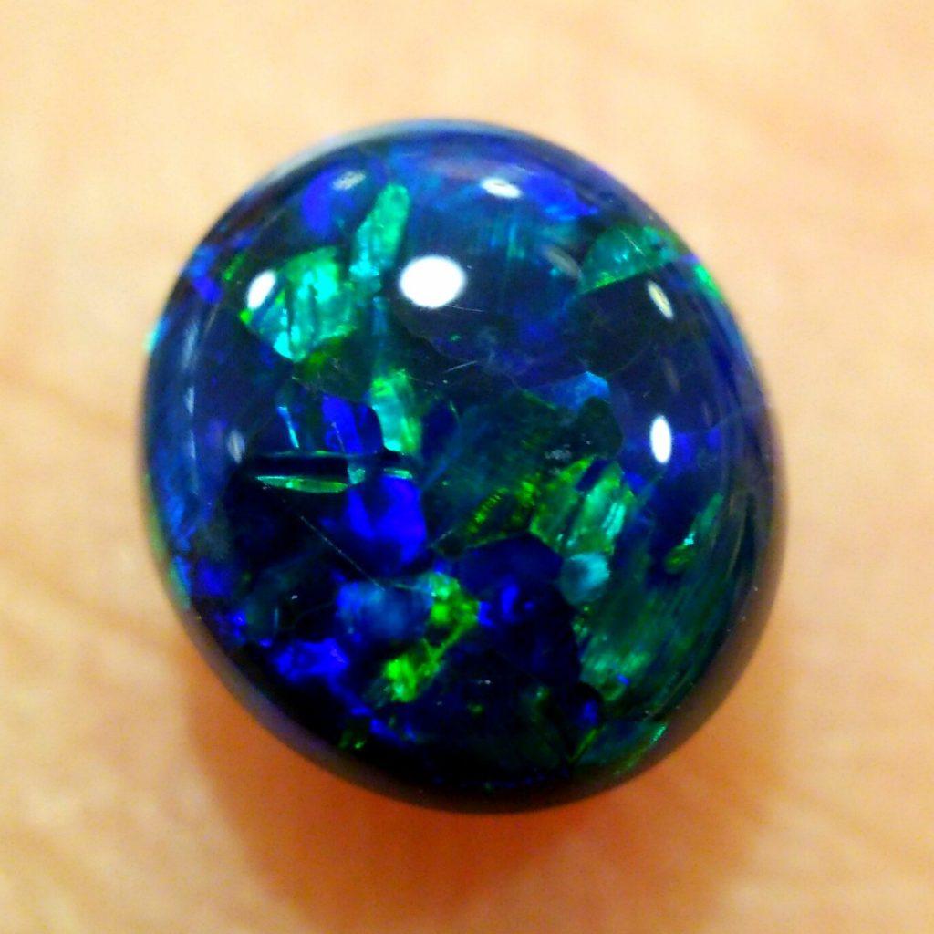 青色有色効果 ブラックオパール