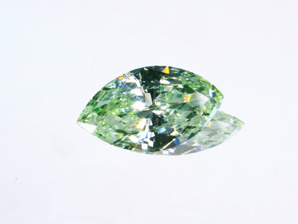 Fancy Greenish Yellow Diamond(0.126ct)
